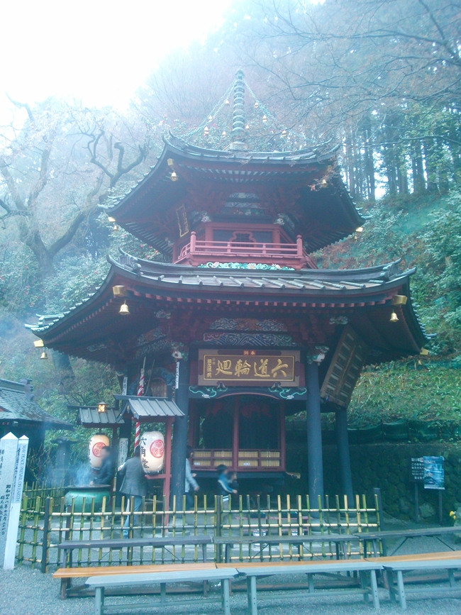 水澤寺の六角堂